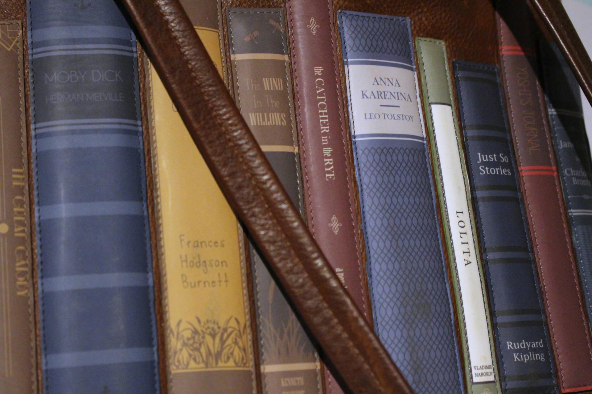 yoshi-lichfield-bag-bookworm-leather-bag