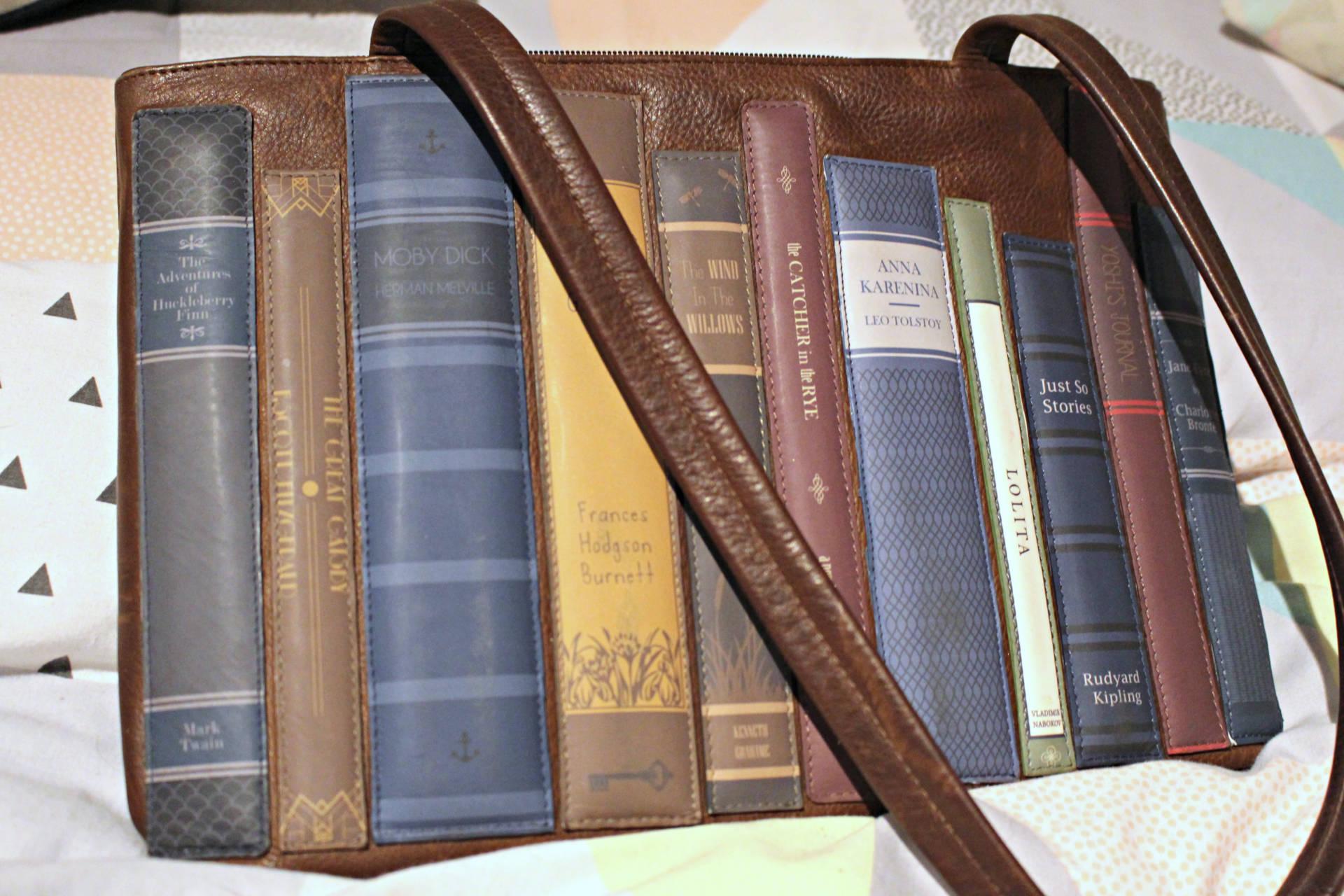 yoshi-lichfield-bookworm-bag